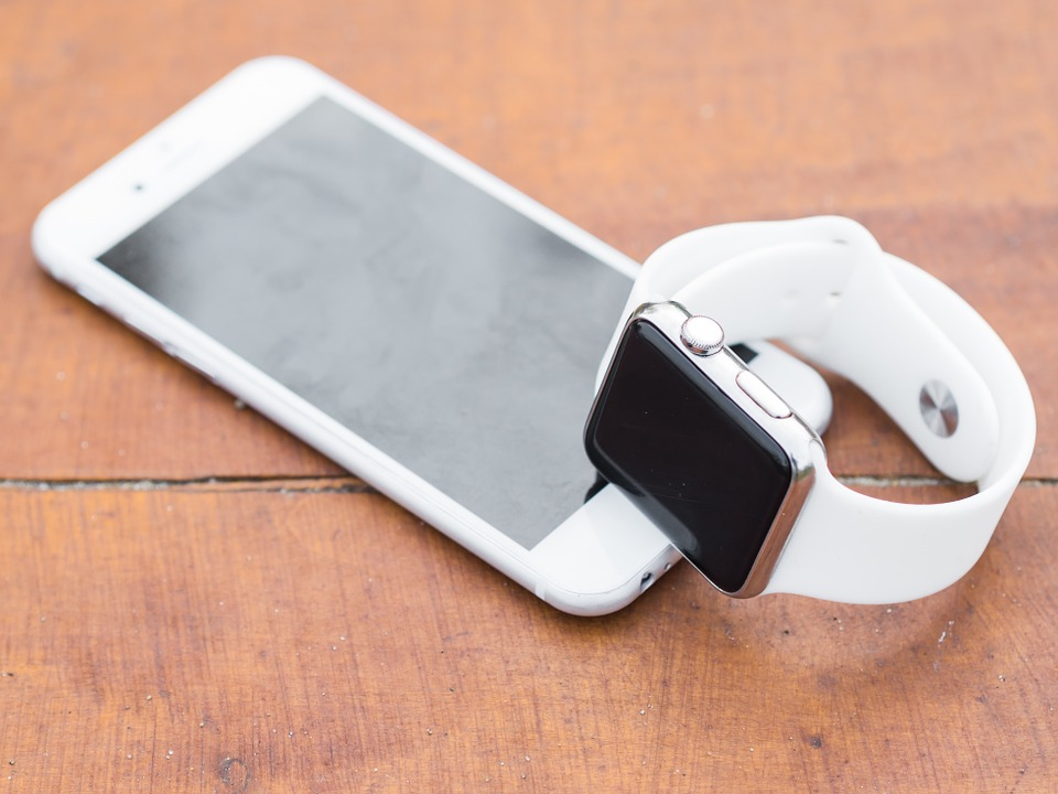 montres connectées dépendantes du téléphone