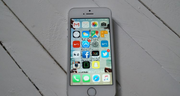 écran iPhone différence couleur détail caché